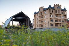 ВС наложил запрет на собственность в многоэтажках на шести сотках