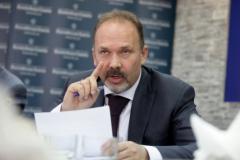 Глава Минстроя Михаил Мень - о богатых должниках, новых аварийных домах и росте тарифов